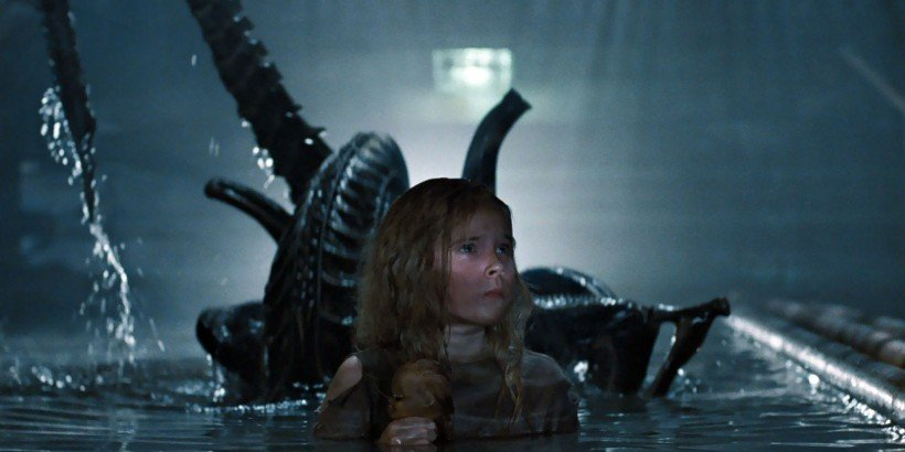 aliens-1986-newt-and-alien