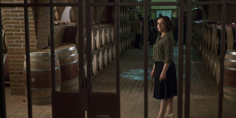 Marlene Forte as Celia Flores, Infected - Fear The Walking Dead _ Season 2, Episode 07 - Photo Credit: Richard Foreman, Jr/AMC
